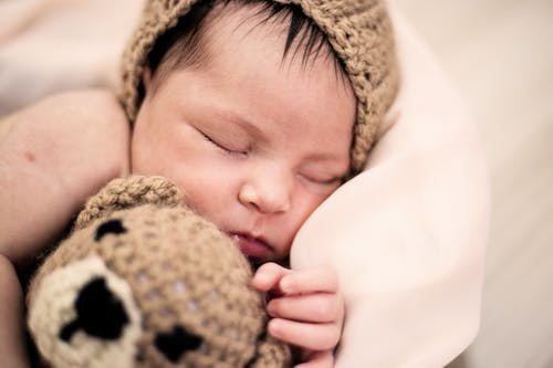 How to buy the best kind of sleeping products for your little one!